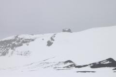 Refuge de Fimmvörðuháls vue depuis le cratère de Eyafjallajokul
