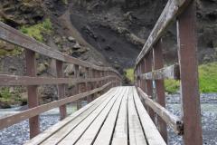 Pont piéton enjambant la Krossa