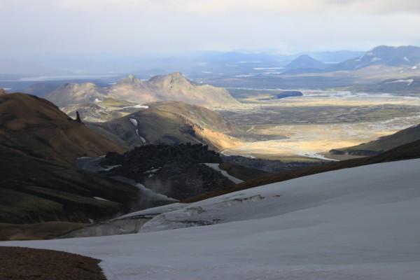 Le Landmannalaugar, coulée de lave et le volcan Brennisteinsalda